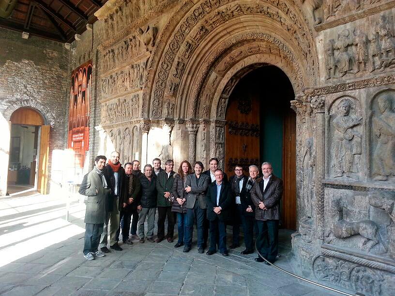 El Consell Directiu de l'AMI, al Monestir de Ripoll