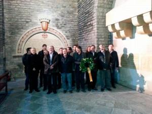 El Consell Directiu de l'AMI, a la tomba de Guifré el Pilós
