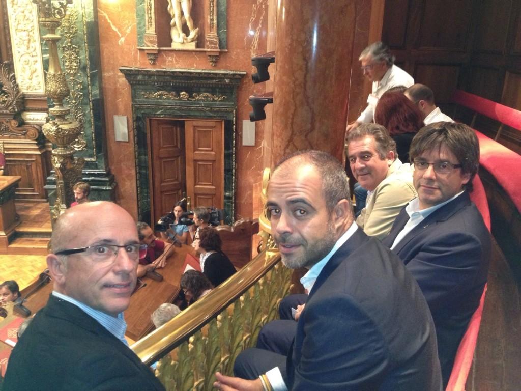 Joan Rabasseda, Miquel Buch, Carles Puigdemont i Josep Andreu al ple