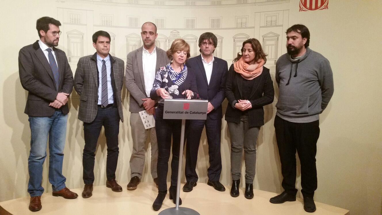 La consellera, amb els alcaldes, l'AMI i l'ACM