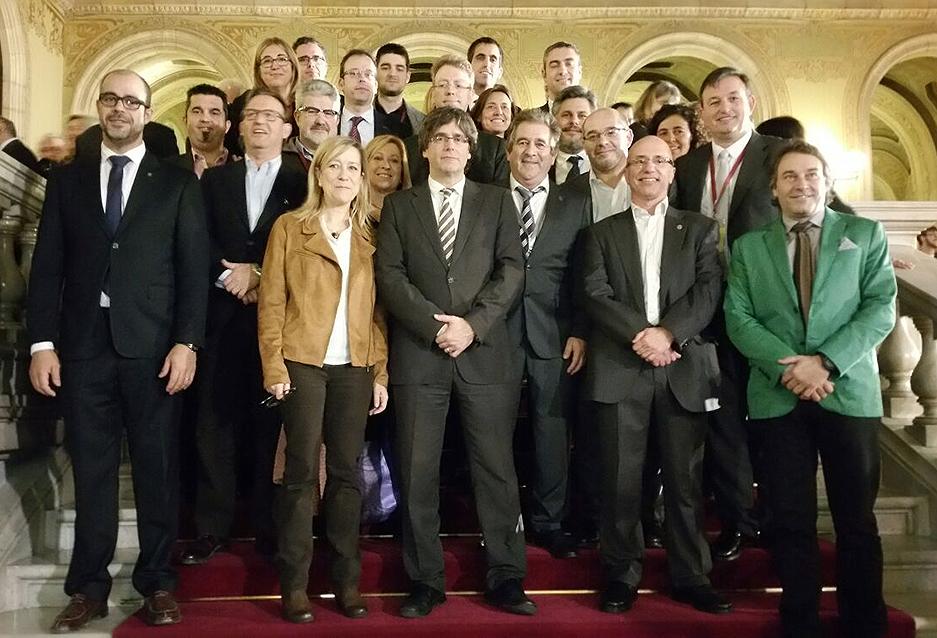 Alcaldes i alcadesses de l'AMI, amb el 130è president de la Generalitat
