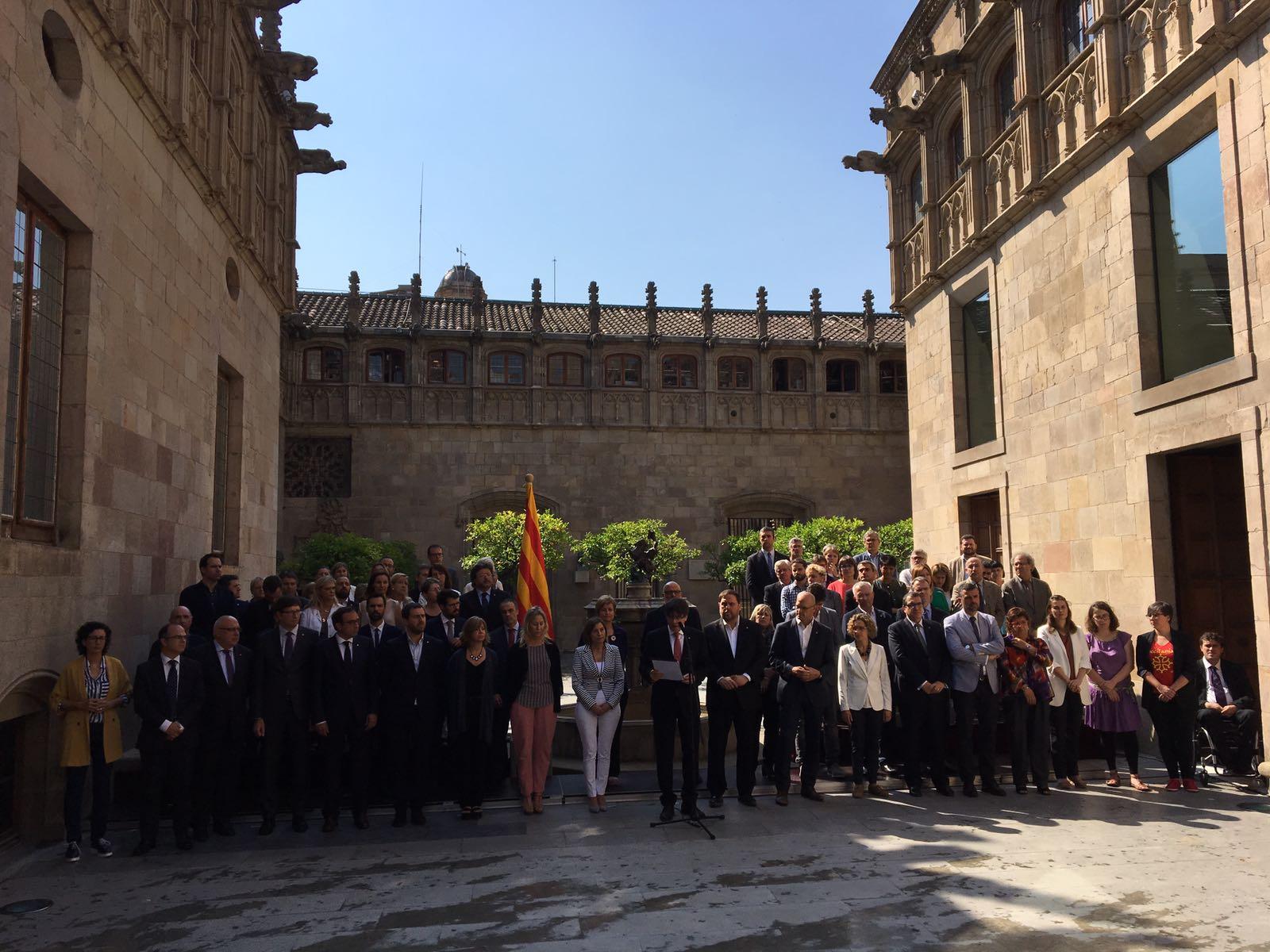 Voleu que Catalunya sigui un estat independent en forma de república?