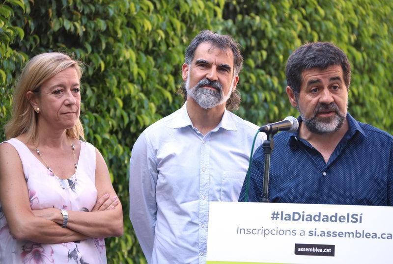 La presidenta de l'AMI, Neus Lloveras, va participar en l'acte de presentació de les mobilitzacions de l'11S